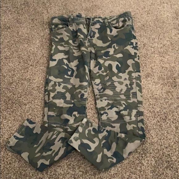 Forever 21 Pants - Forever 21 camo Jeggings